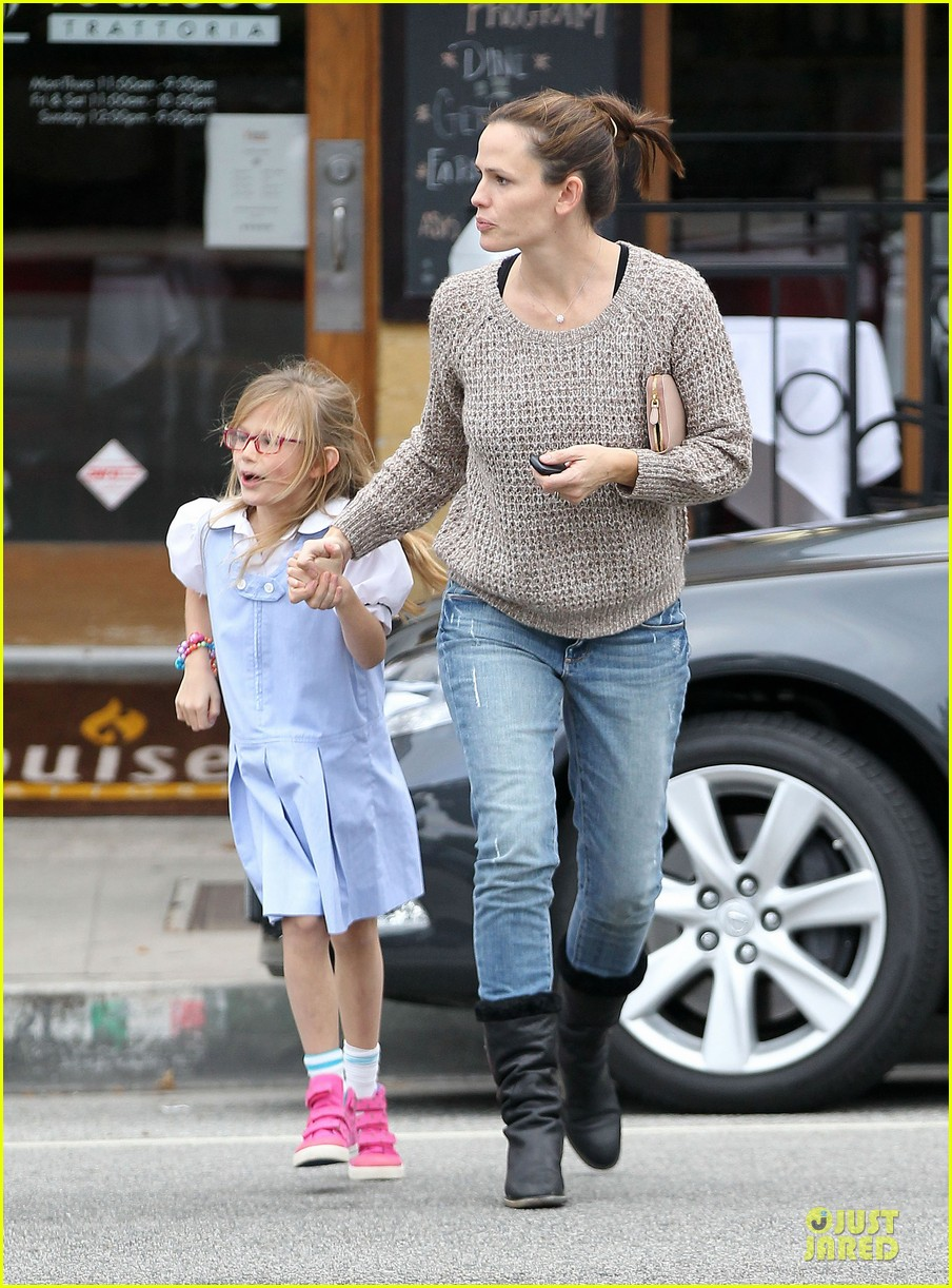 jennifer garner louises dinner with violet 142778120