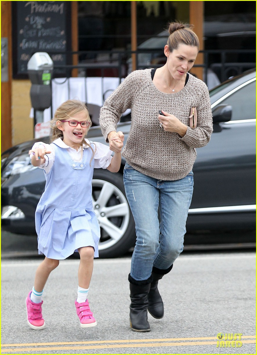 jennifer garner louises dinner with violet 162778122