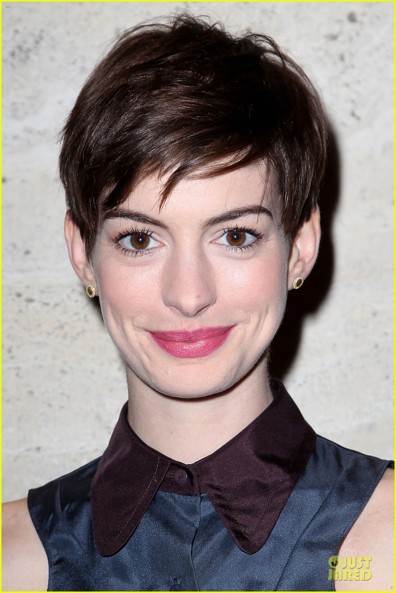anne hathaway & amanda seyfriend les miserables luncheon 122773984
