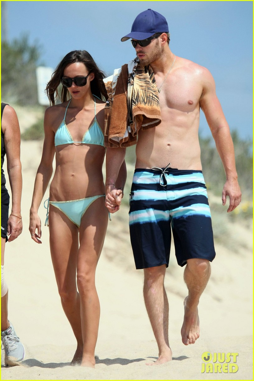 kellan lutz shirtless beach day with sharni vinson 082780295