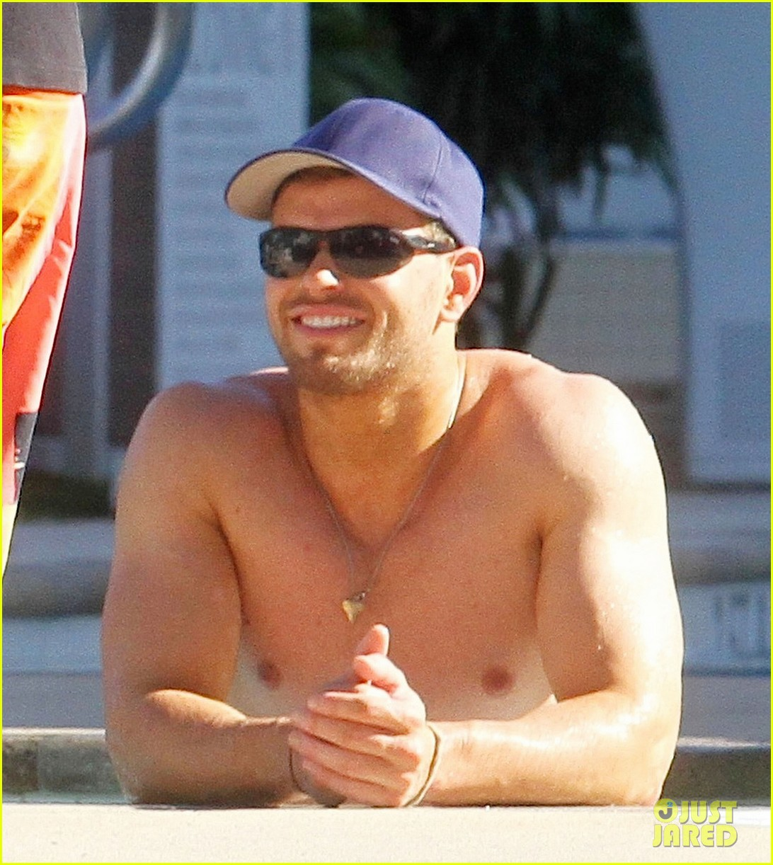 kellan lutz shirtless miami 032770902