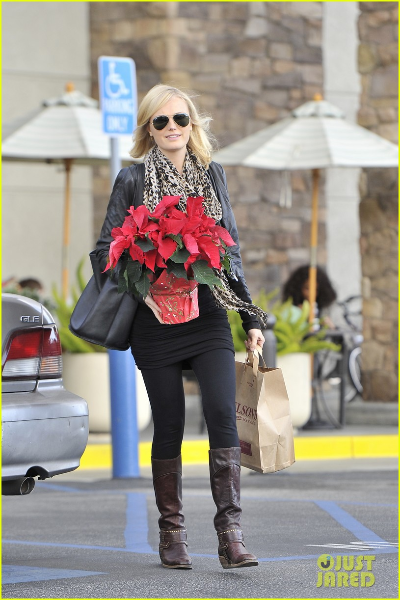 malin akerman gelsons holiday shopper 012778292