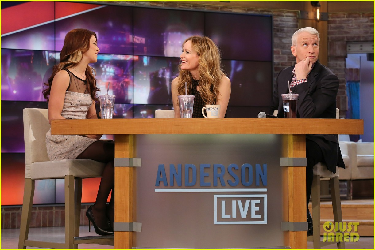 leslie mann paul rudd this is 40 crew visits anderson live 062778937