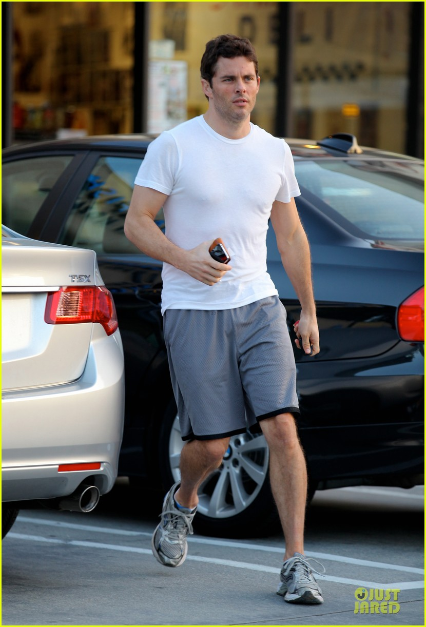 james marsden walk of shame with elizabeth banks 03
