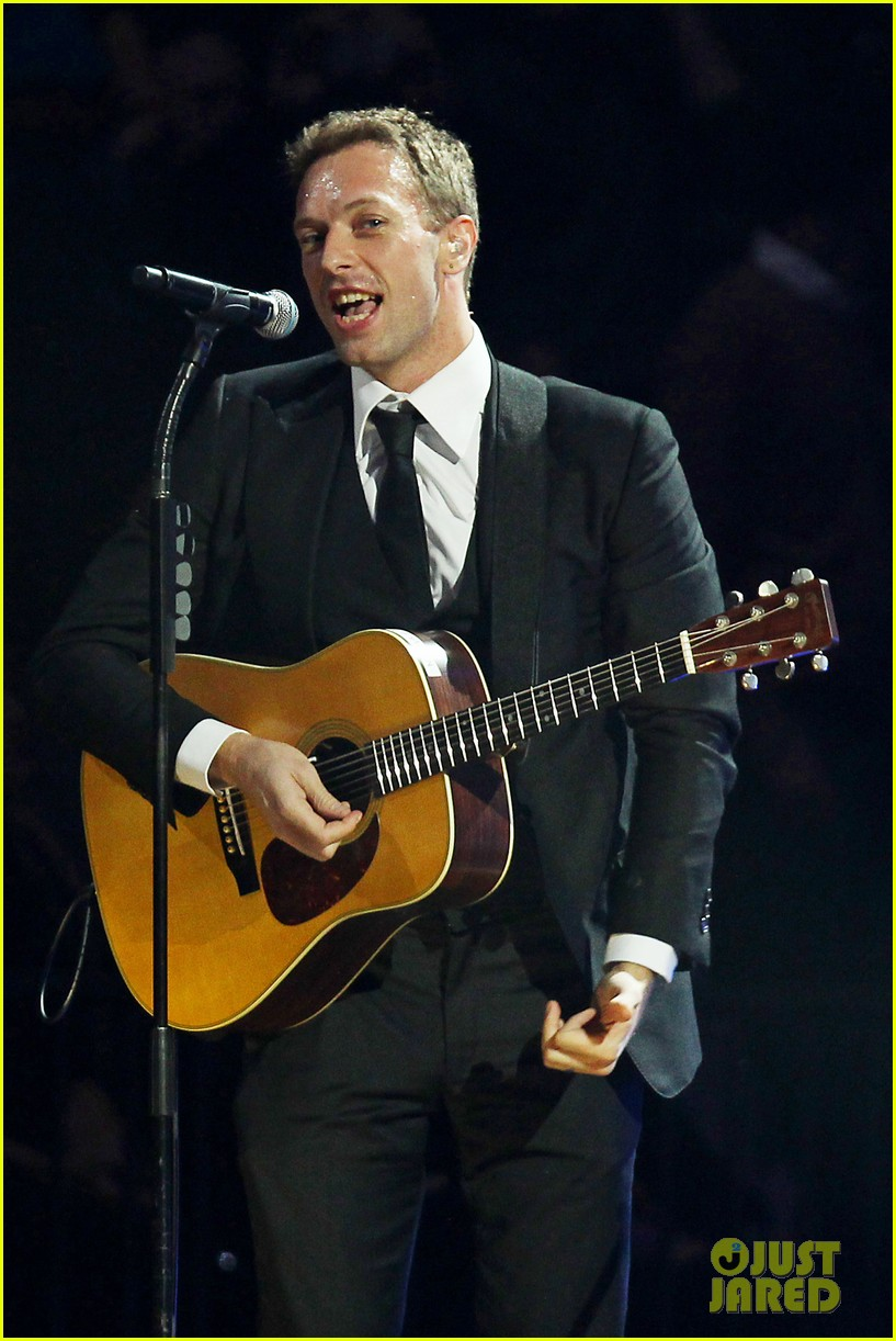 chris martin 12 12 12 concert for sandy relief 102775204