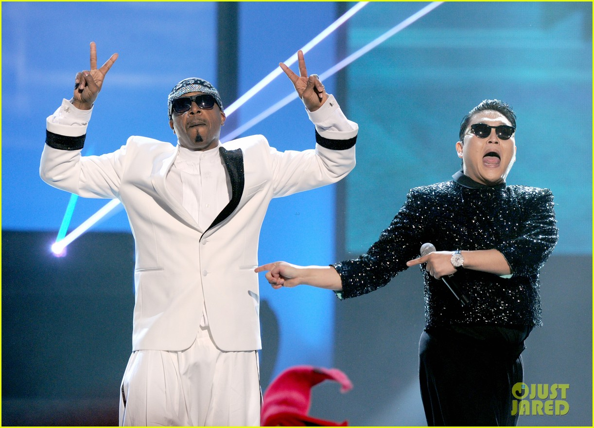 mc hammer to reunite with psy at new years rockin eve exclusive 012782343