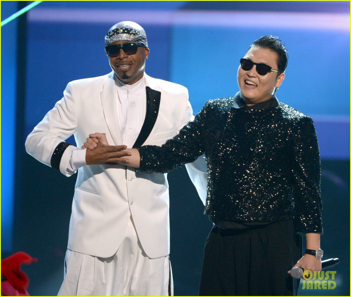 mc hammer to reunite with psy at new years rockin eve exclusive 042782346