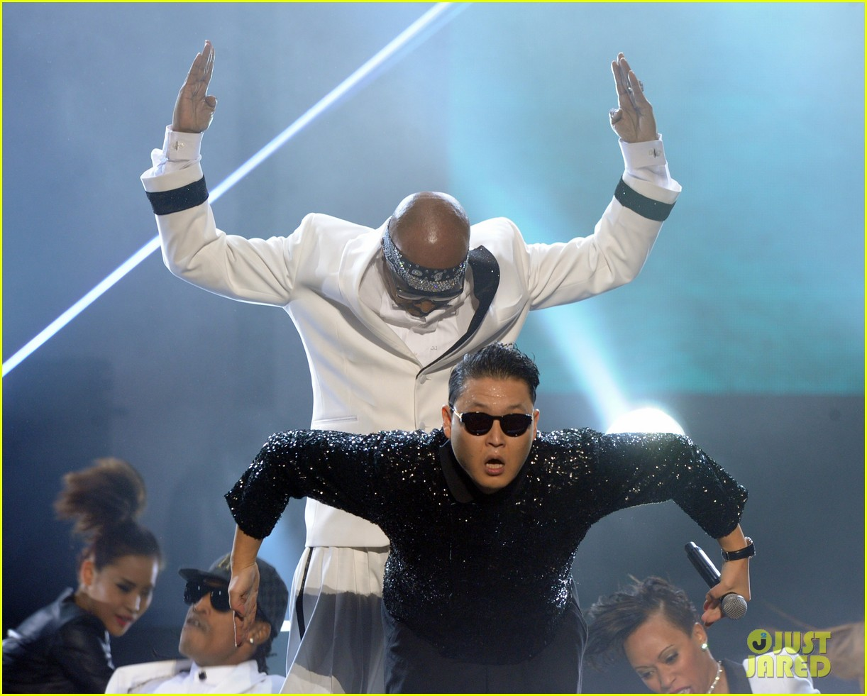 mc hammer to reunite with psy at new years rockin eve exclusive 082782350