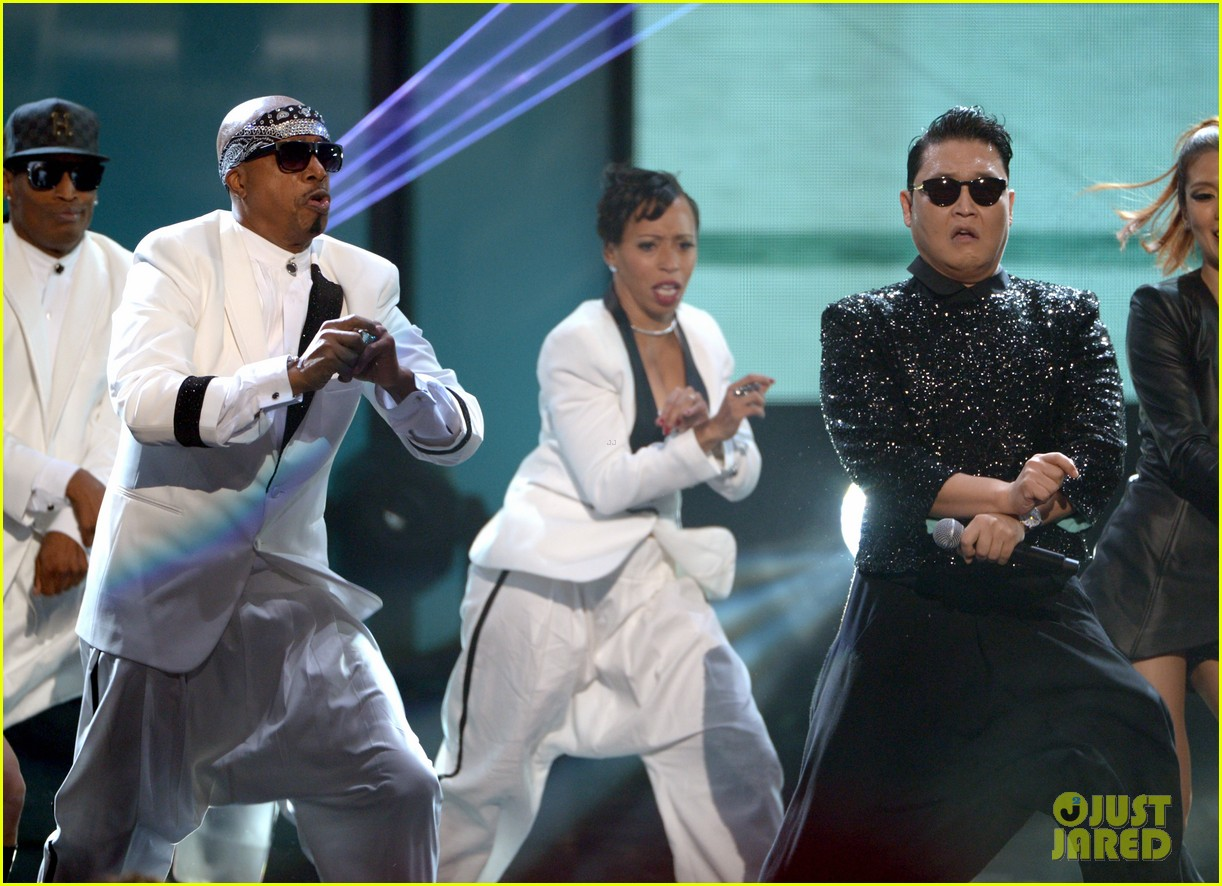 mc hammer to reunite with psy at new years rockin eve exclusive 092782351