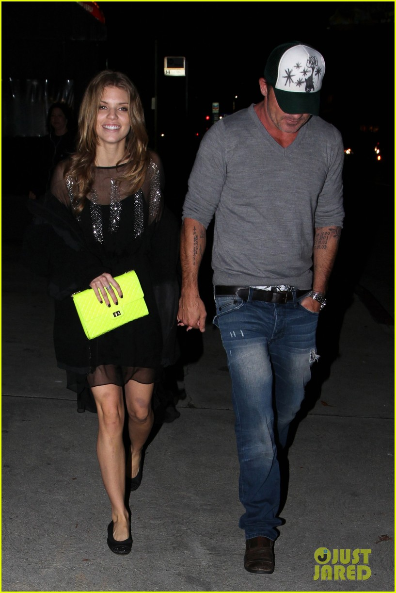annalynne mccord dominic purcell movie night 112769144