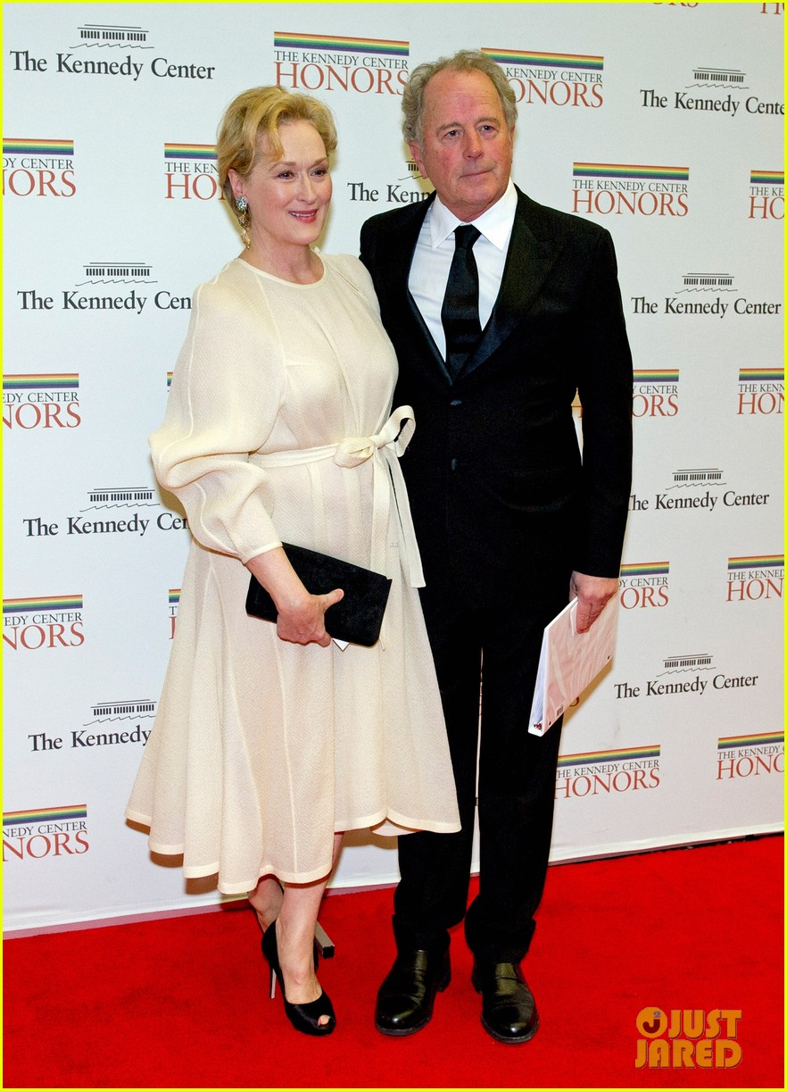 meryl streep hillary clinton say cheese for kennedy center honors 01