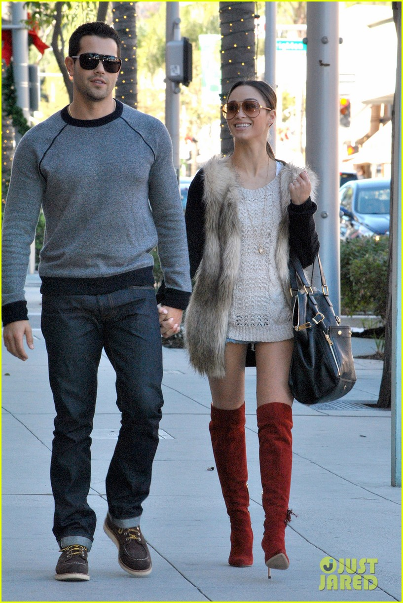 jesse metcalfe cara santana beverly hills lunch lovers 04