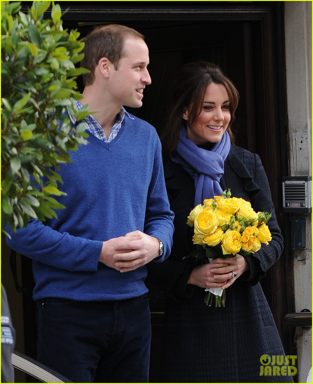 pregnant kate middleton leaves hospital with prince william 052770290