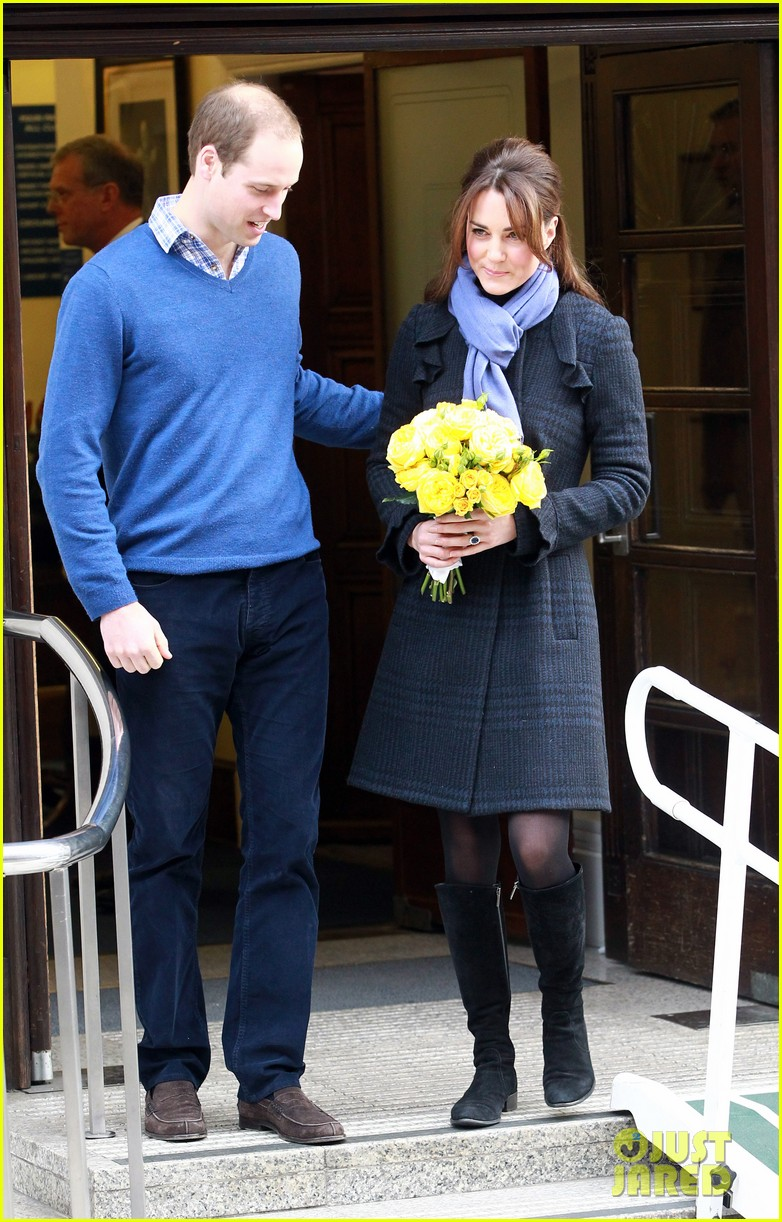 pregnant kate middleton leaves hospital with prince william 07