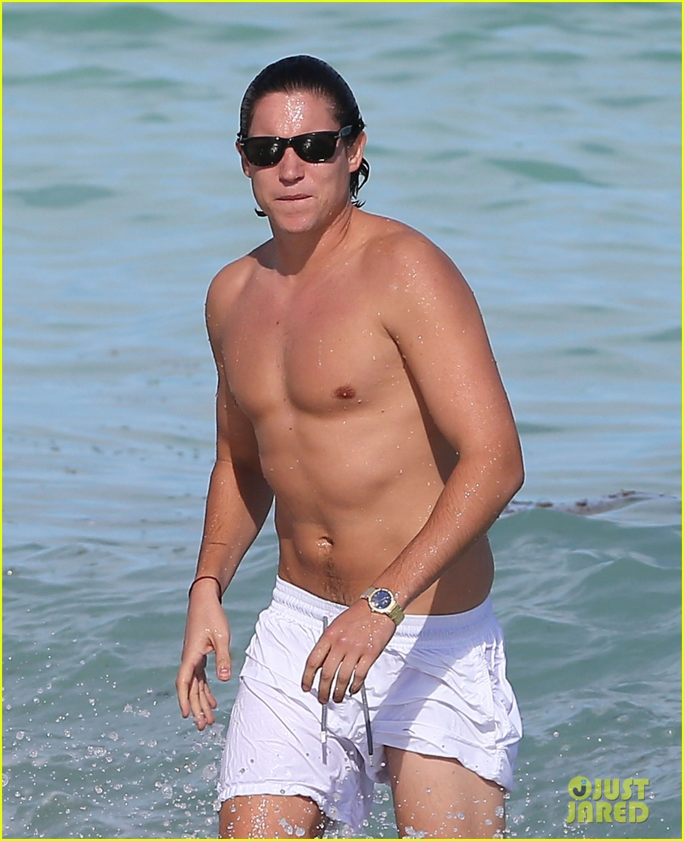 demi moore hits south beach vito schabel goes shirtless 042772721