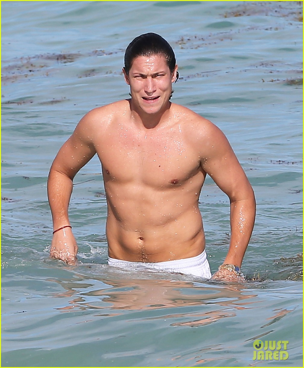 demi moore hits south beach vito schabel goes shirtless 072772724