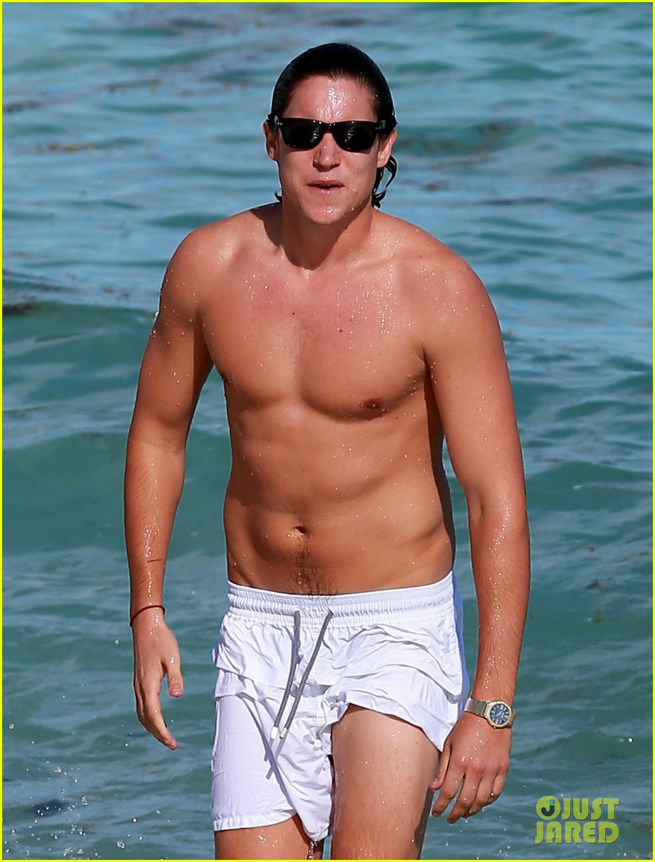 demi moore hits south beach vito schabel goes shirtless 152772732