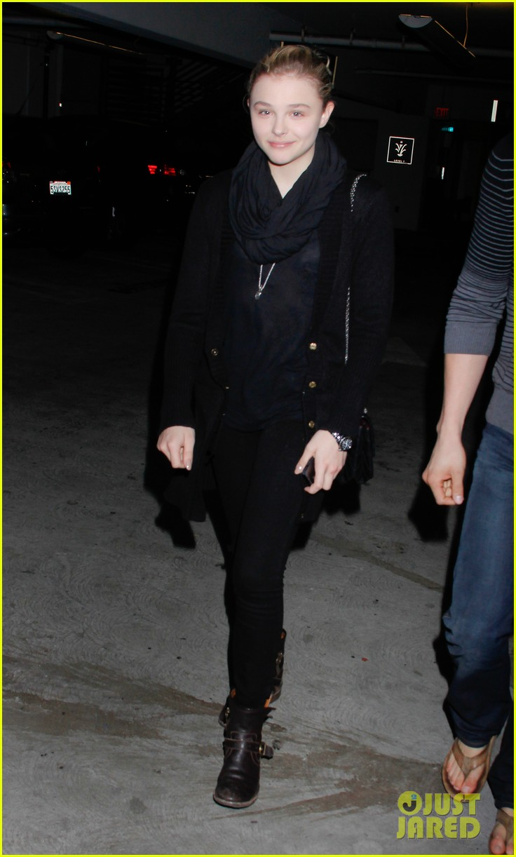 chloe moretz movie night at the grove 02