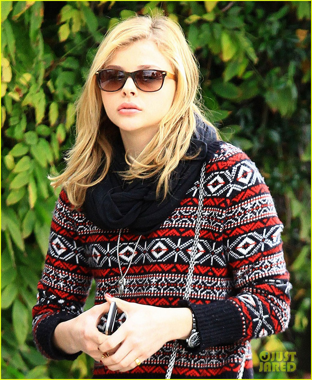 chloe moretz sur lunch with mom teri 05