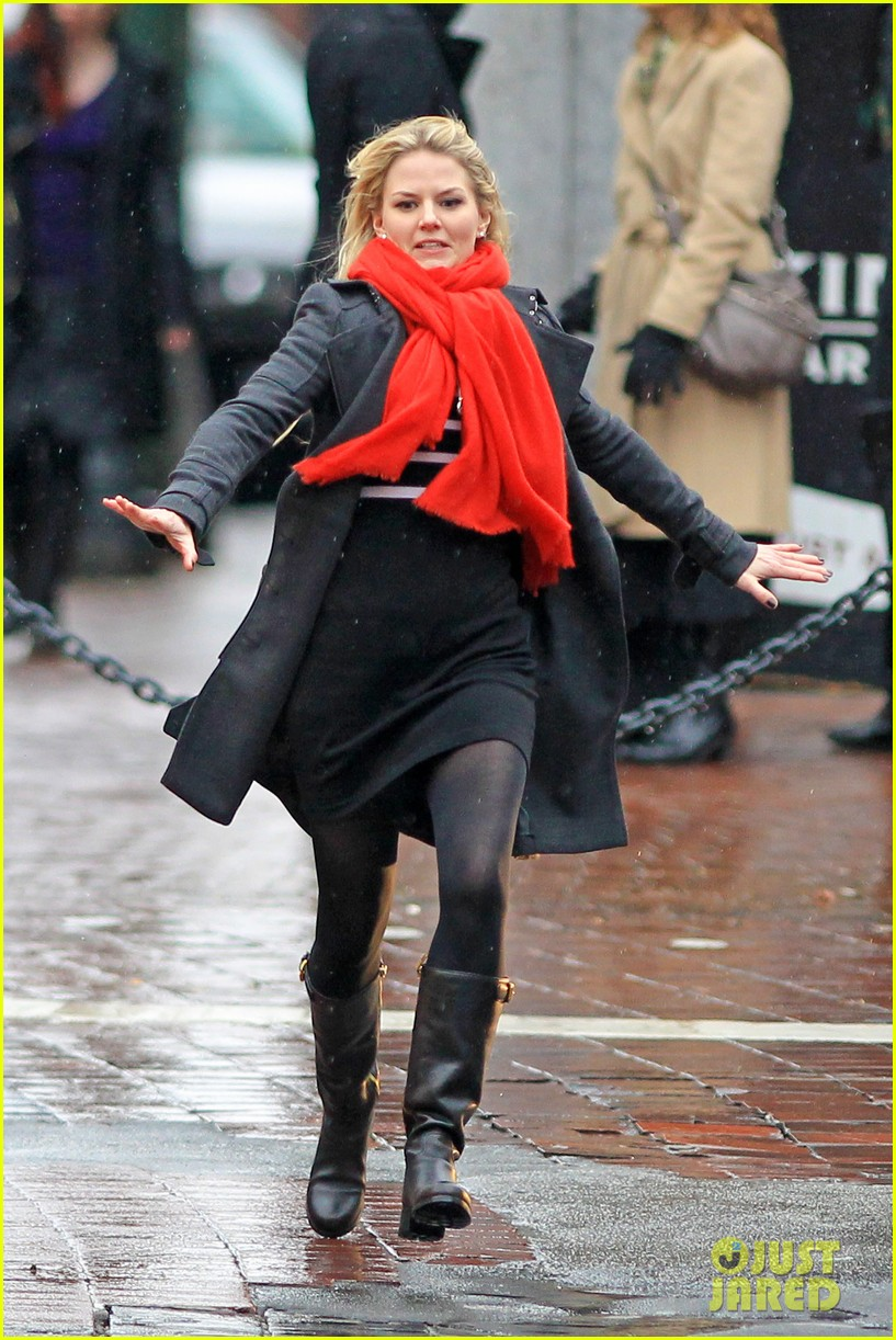 jennifer morrison runs jumps for once upon a time 172775889