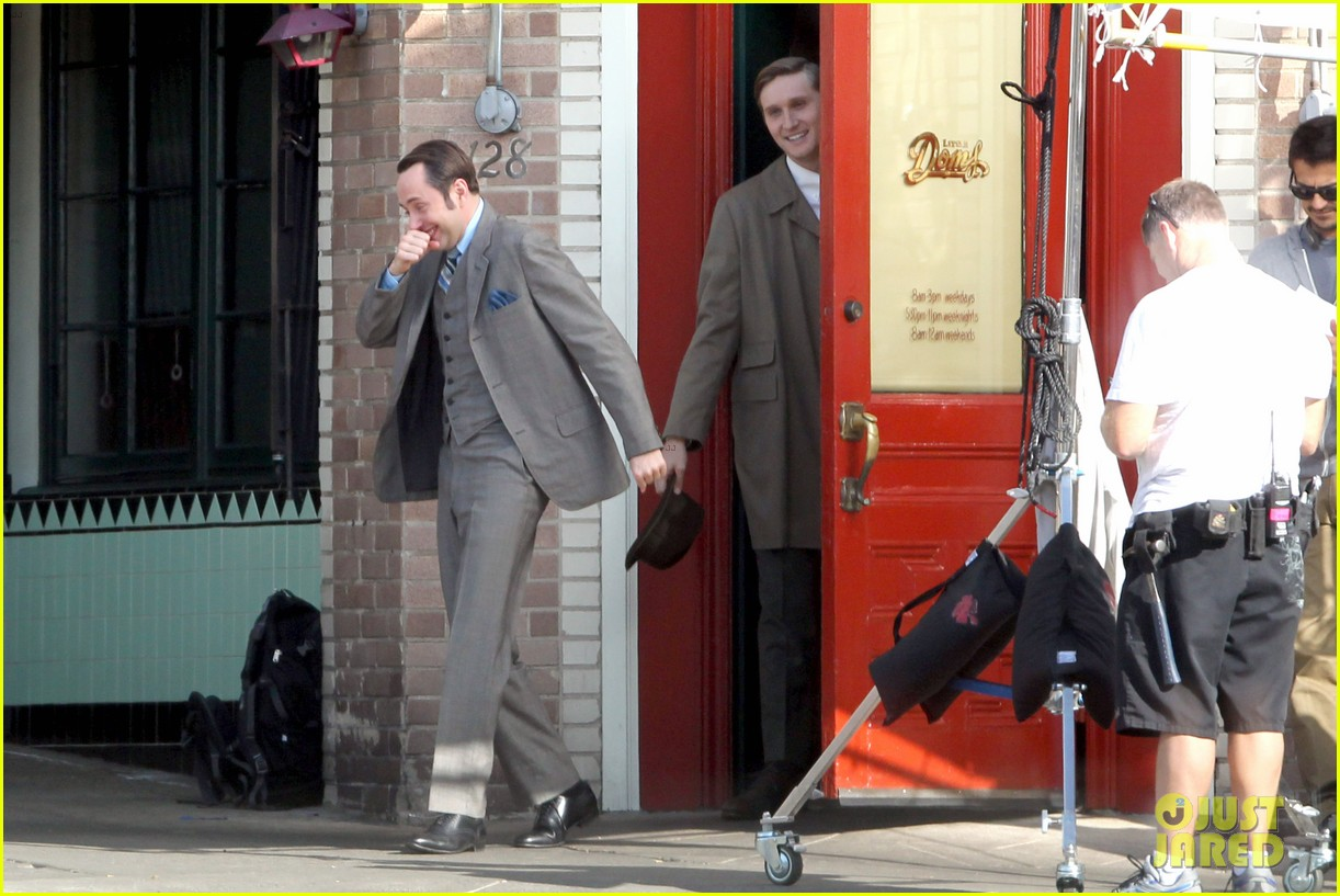 elisabeth moss mad men set with jon hamm 09