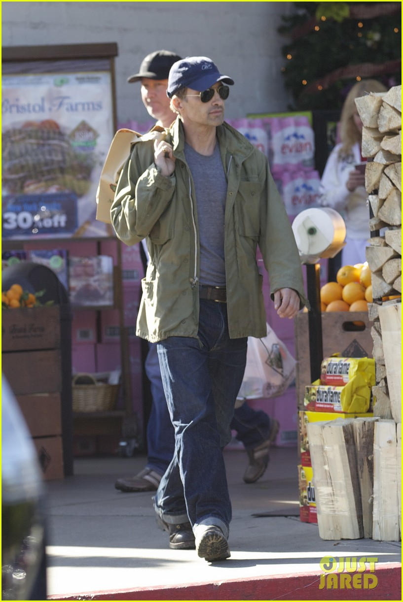 olivier martinez monday grocery run 09