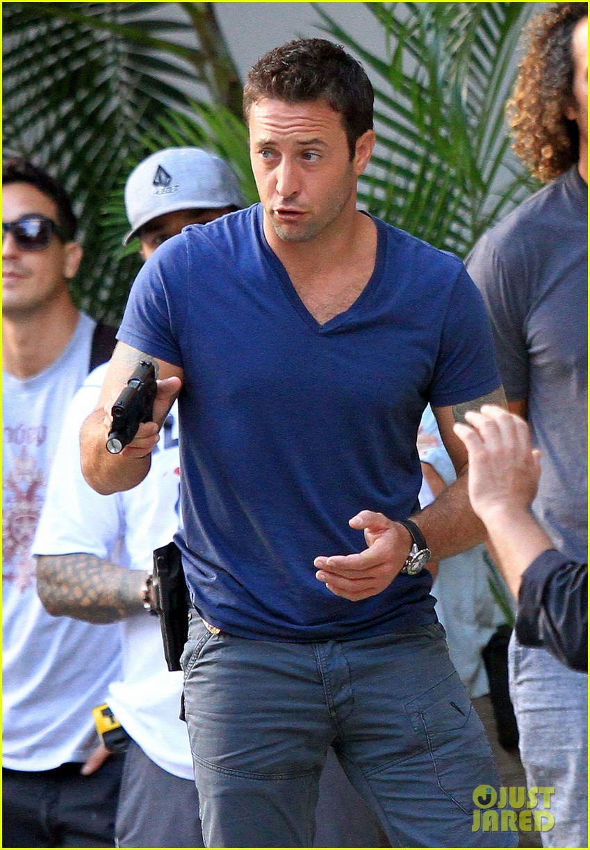 alex oloughlin hawaii feels like australia to me 062770934