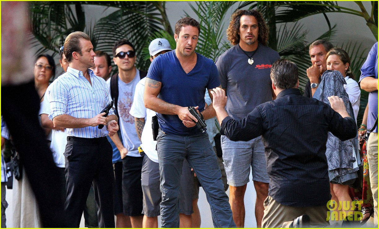alex oloughlin hawaii feels like australia to me 21