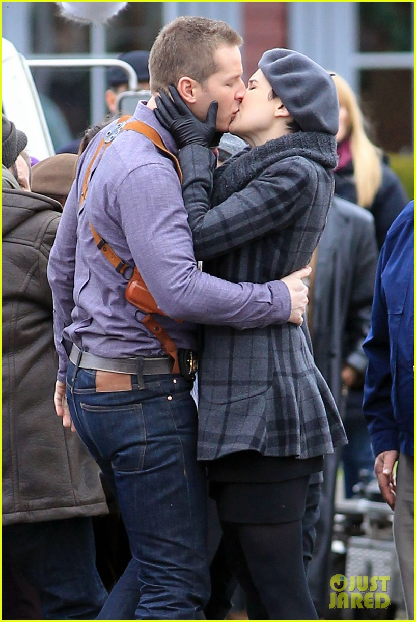 ginnifer goodwin josh dallas kiss set 06