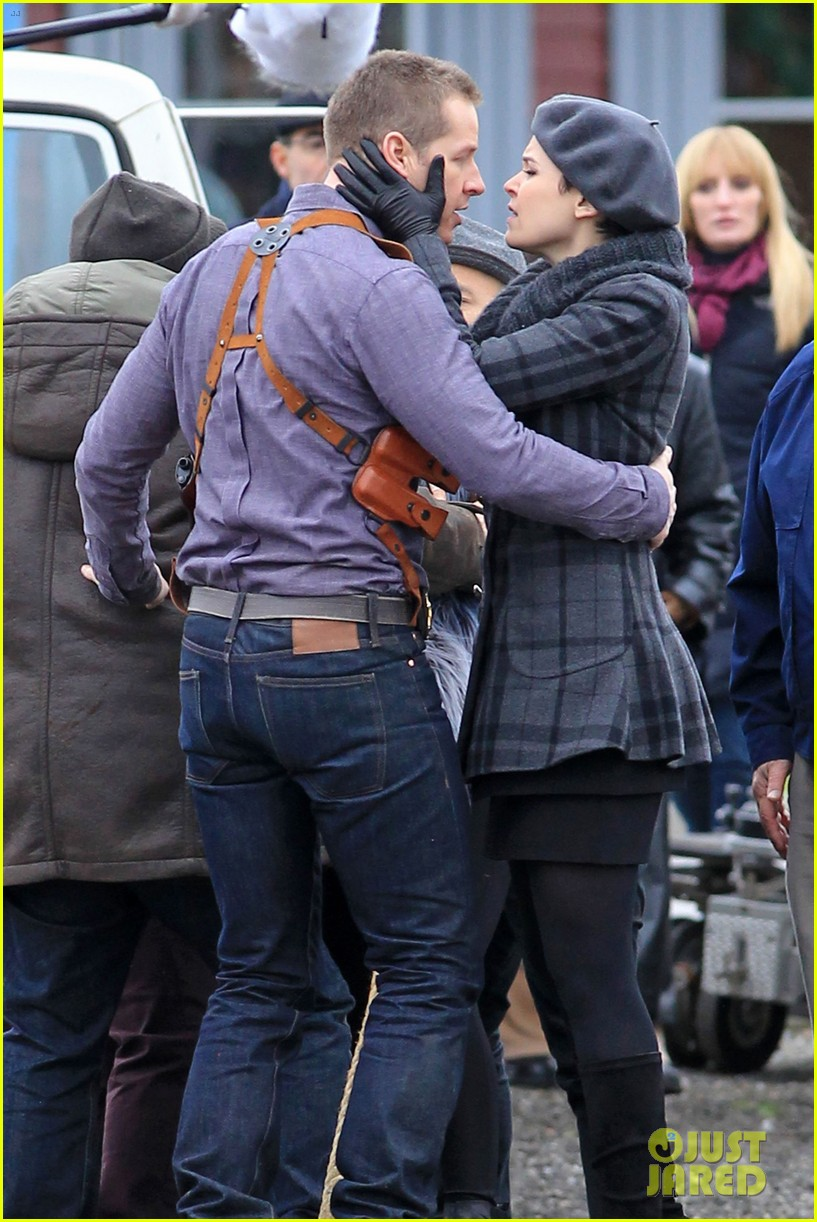 ginnifer goodwin josh dallas kiss set 082774505