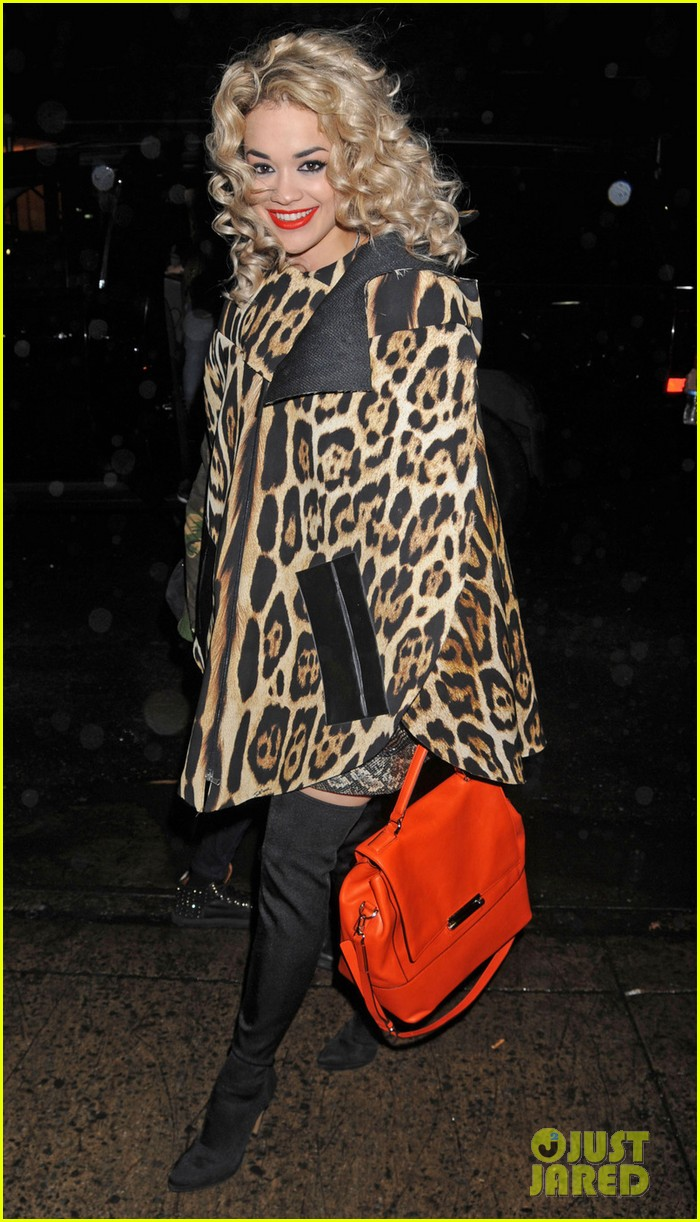 rita ora london for the holidays 03