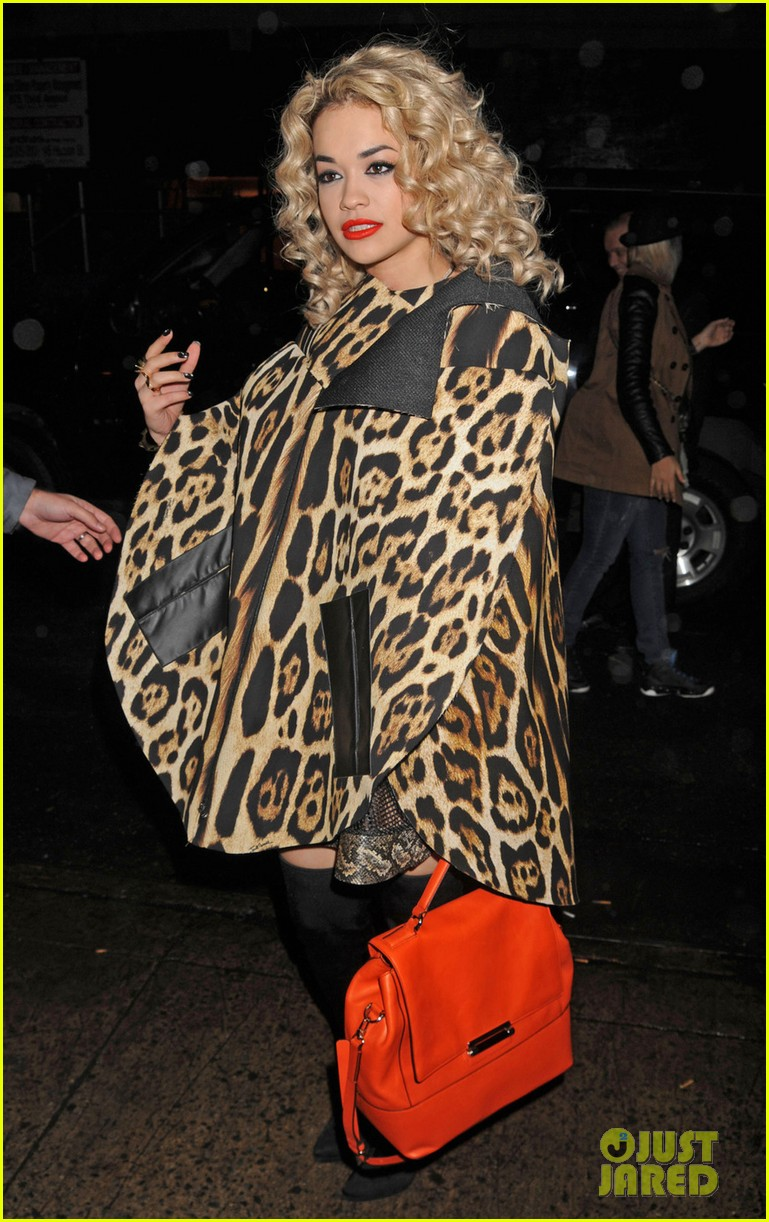rita ora london for the holidays 042780041