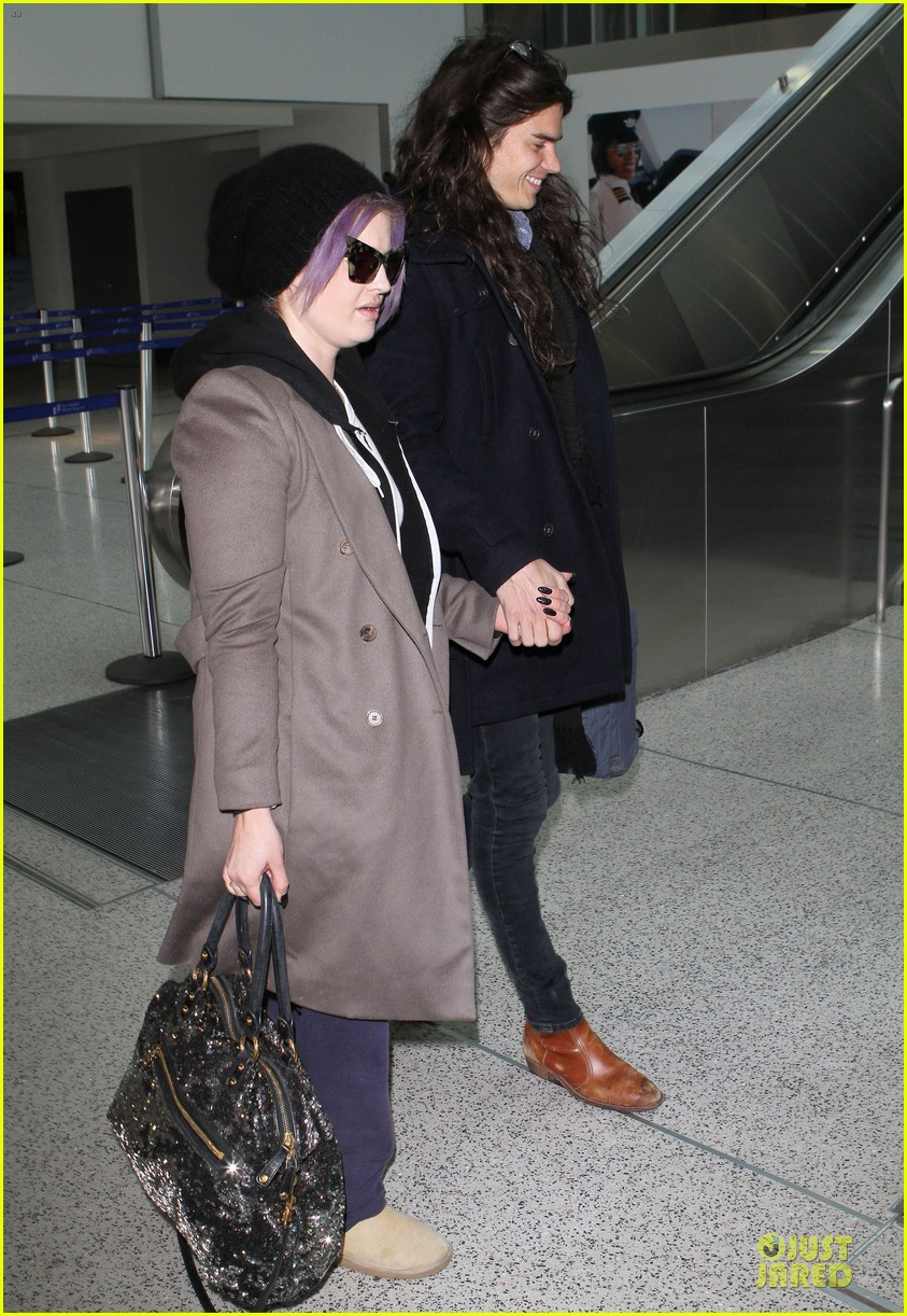 kelly osbourne & matthew mosshart secret xmas holiday trip 042780322