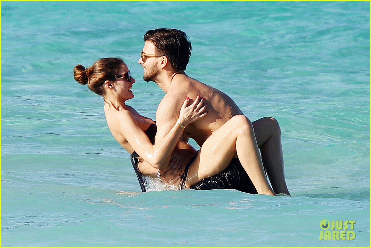 olivia palermo bikini beach with shirtless johannes huebl 022782246
