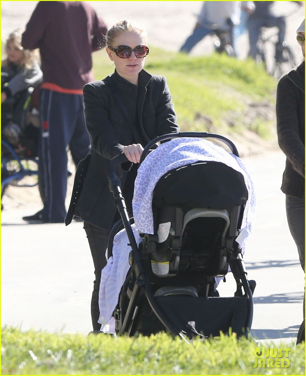 anna paquin venice boardwalk stroll with the twins 032779951