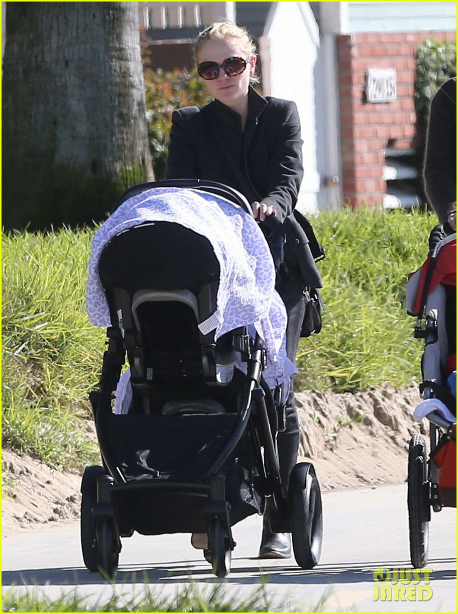 anna paquin venice boardwalk stroll with the twins 092779957