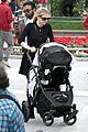 anna paquin stephen moyer holiday shopping with the twins 14