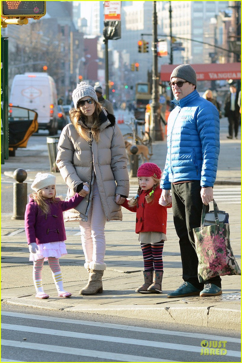 sarah jessica parker & matthew broderick school walk with the twins 032776476