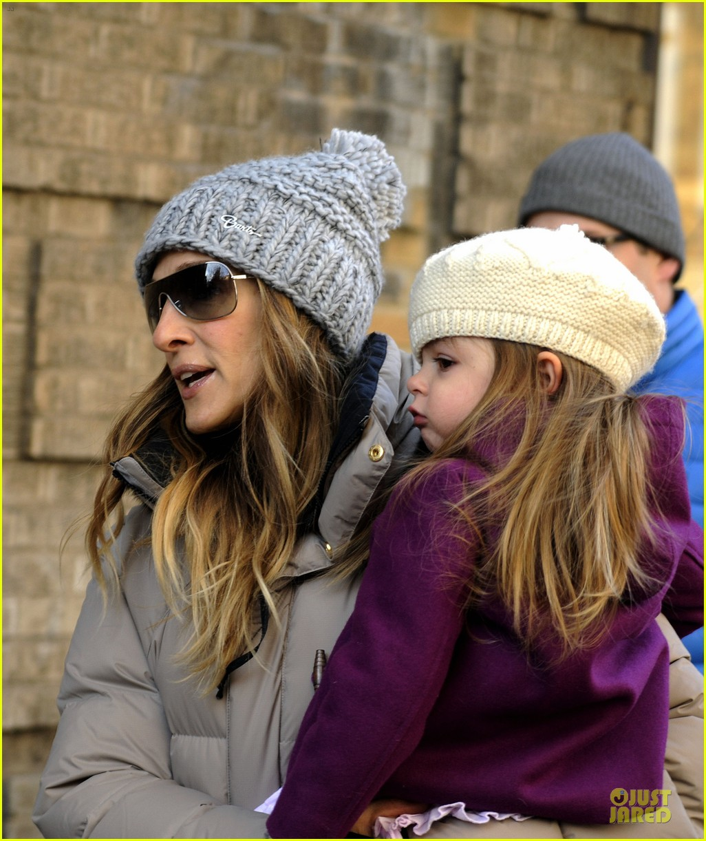 sarah jessica parker & matthew broderick school walk with the twins 042776477