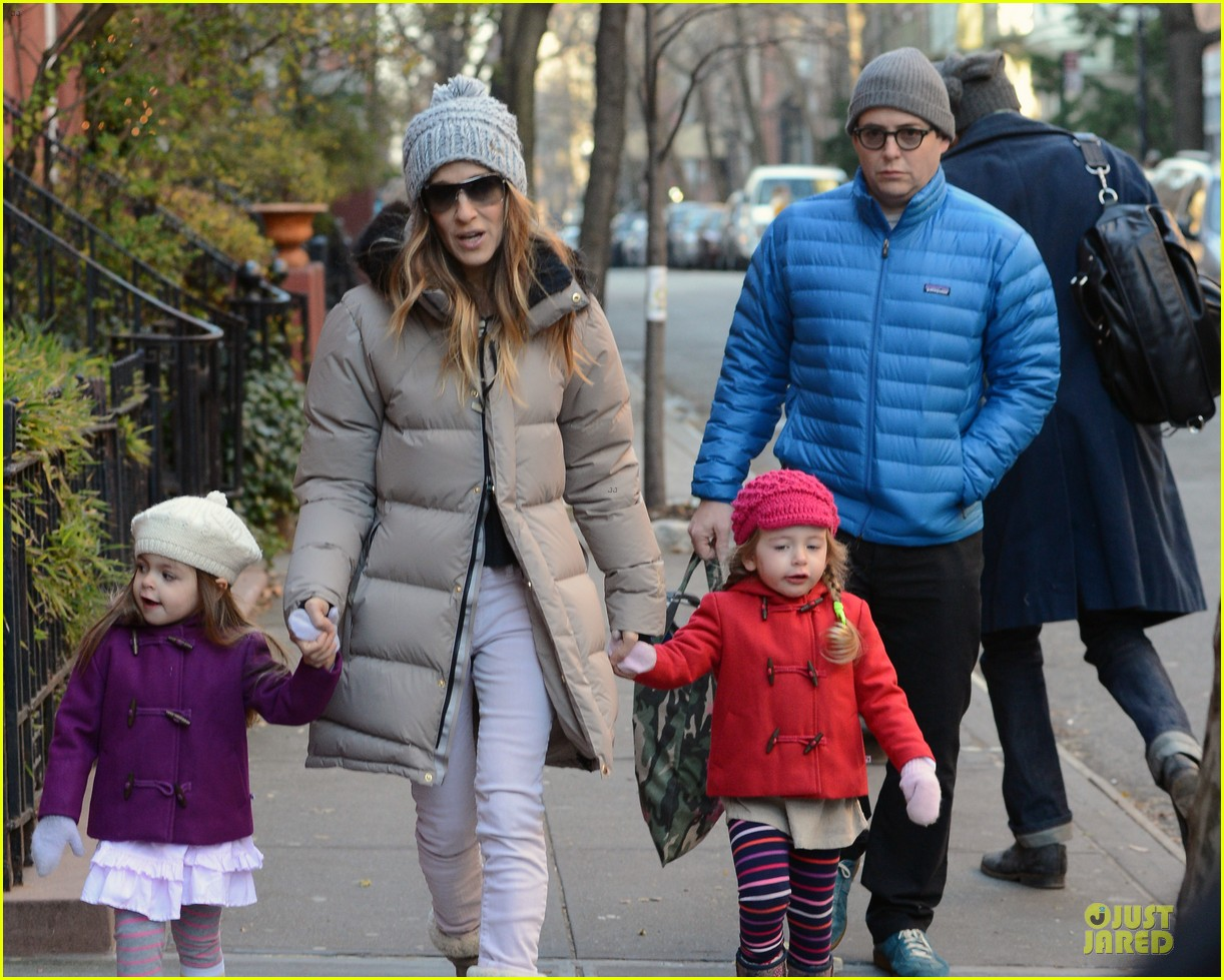 sarah jessica parker & matthew broderick school walk with the twins 062776479