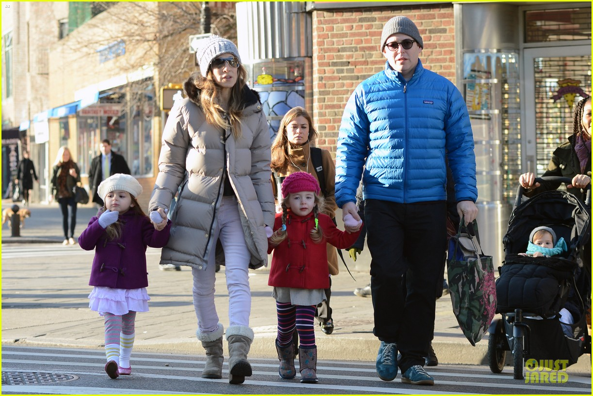 sarah jessica parker & matthew broderick school walk with the twins 09