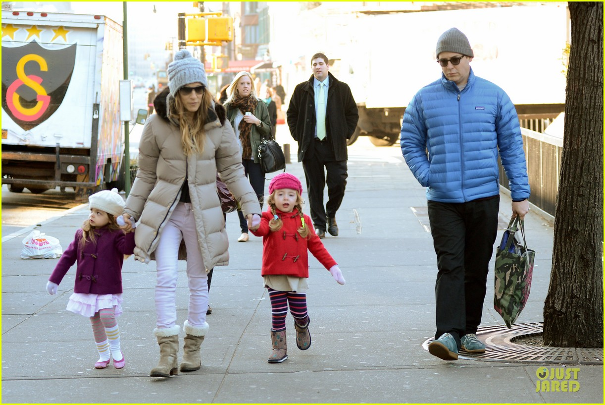 sarah jessica parker & matthew broderick school walk with the twins 102776483