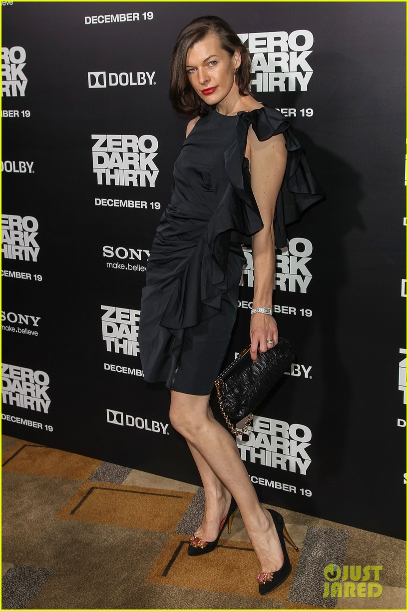 aaron paul milla jovovich zero dark thirty premiere 112773579