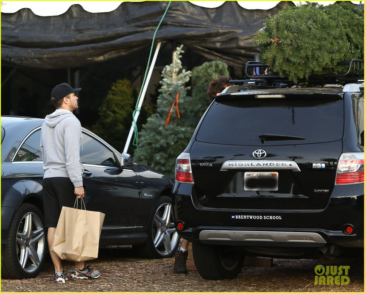 reese witherspoon ryan phillippe tree 102769915