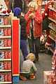 amy poehler holiday shopping with archie 26