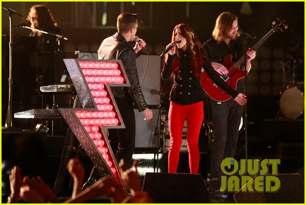 cassadee pope the killers the voice finale performance 122778160