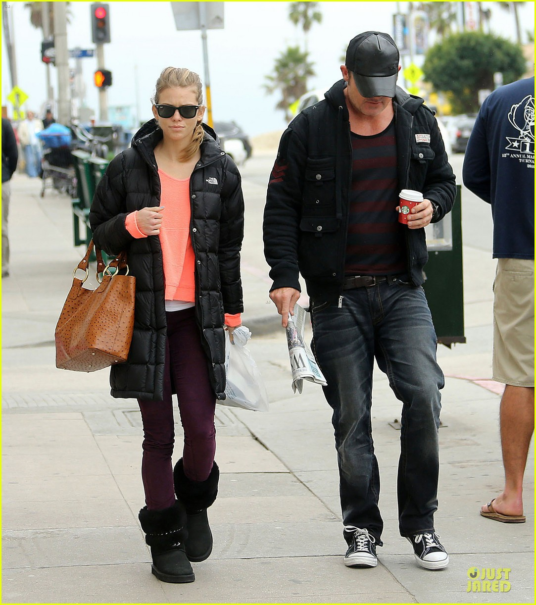 annalynne mccord & dominic purcell coffee strolling couple 072777158