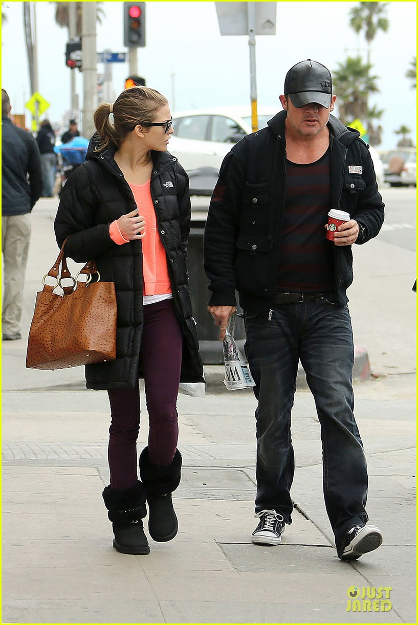 annalynne mccord & dominic purcell coffee strolling couple 092777160