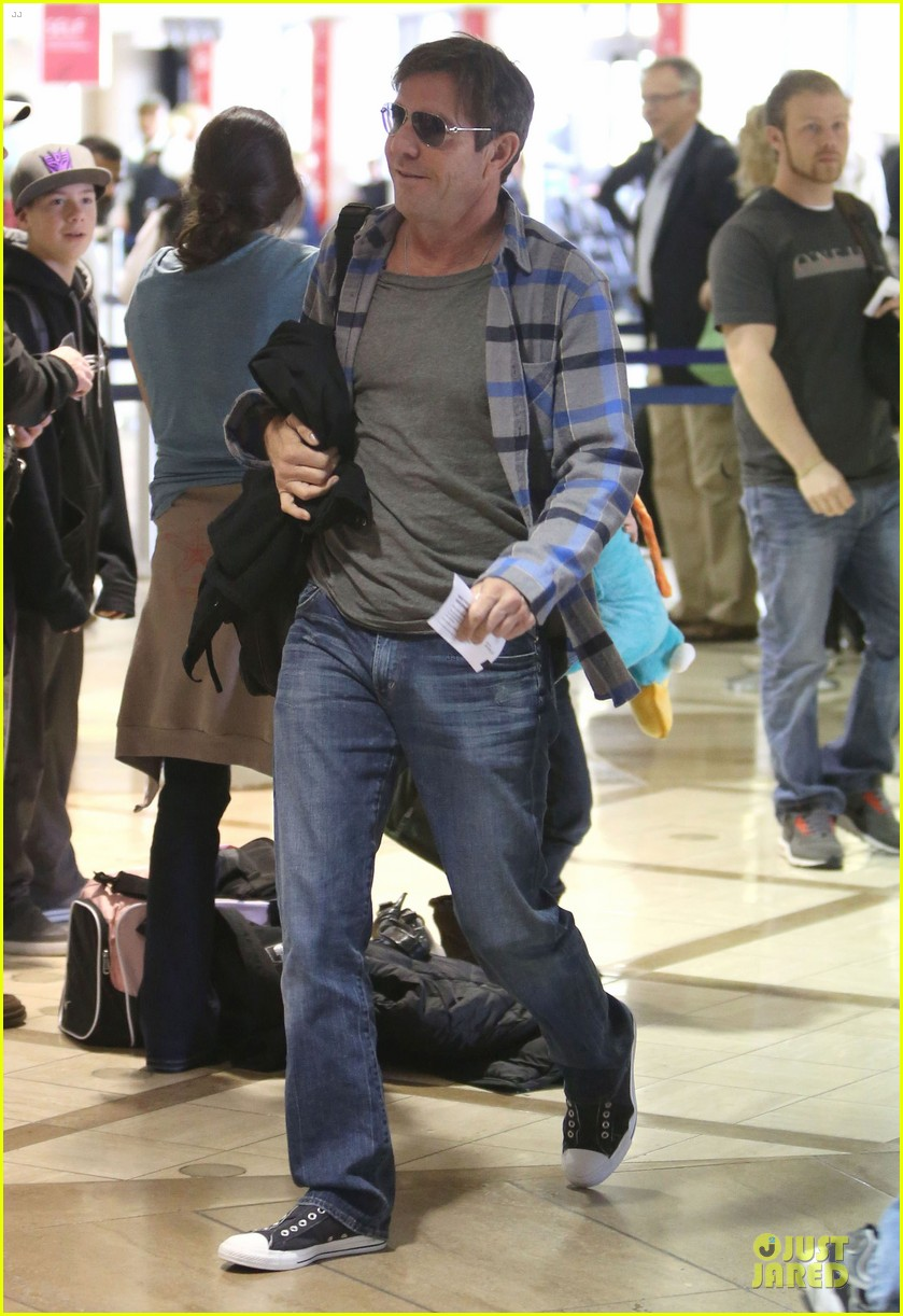 dennis quaid lax departure with a mystery woman 012781966
