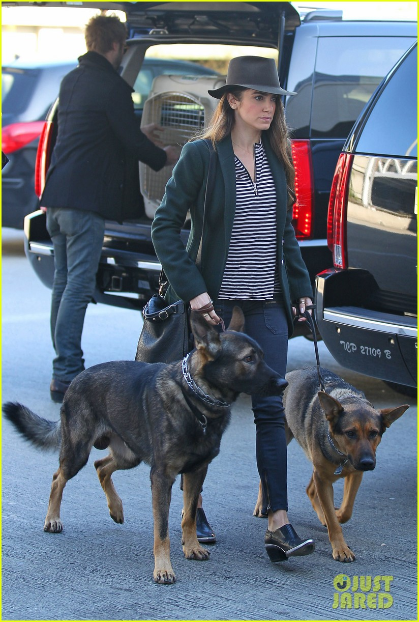 nikki reed paul mcdonald airport with pups 052773470
